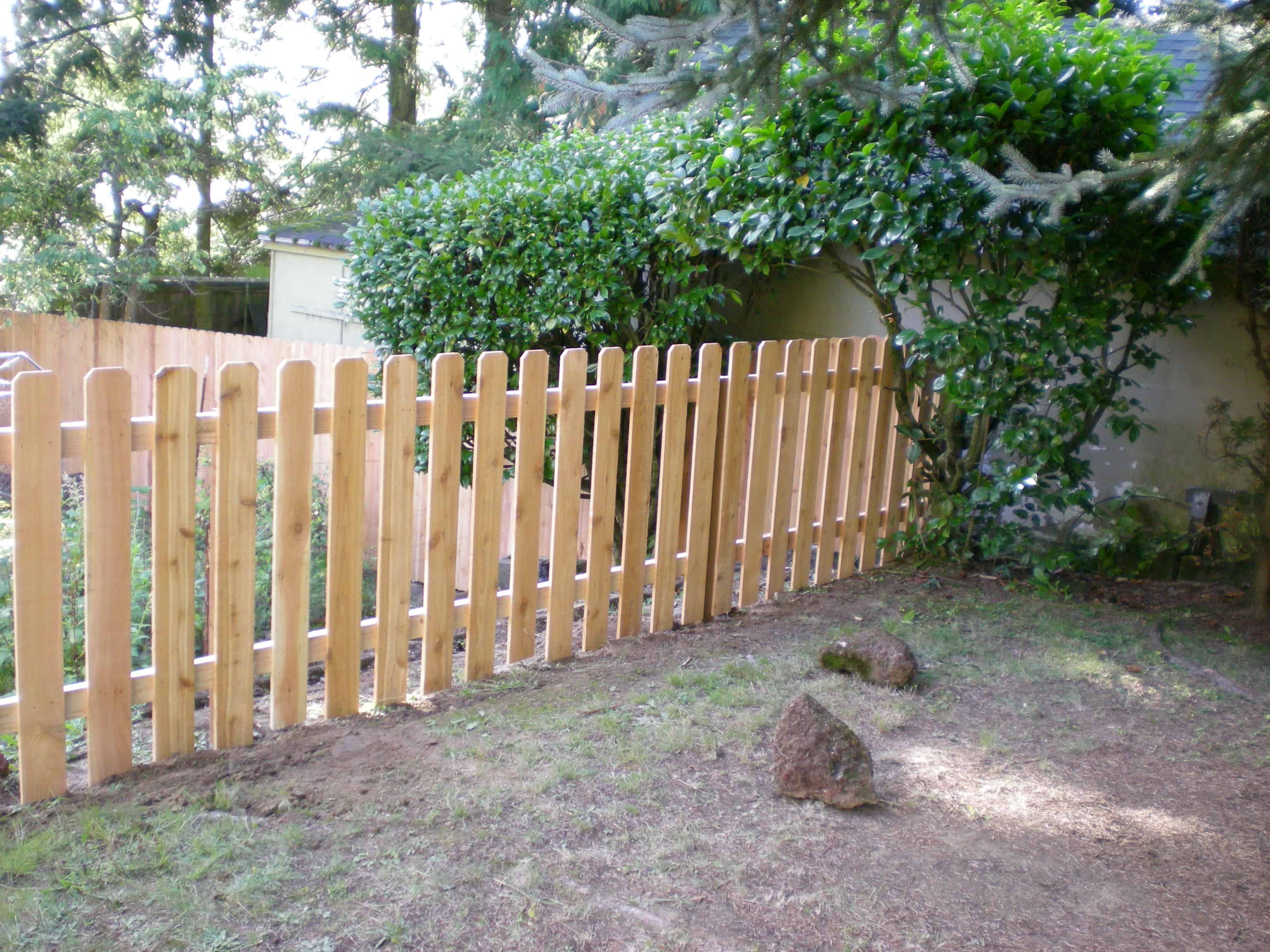 wood dog ear picket fence